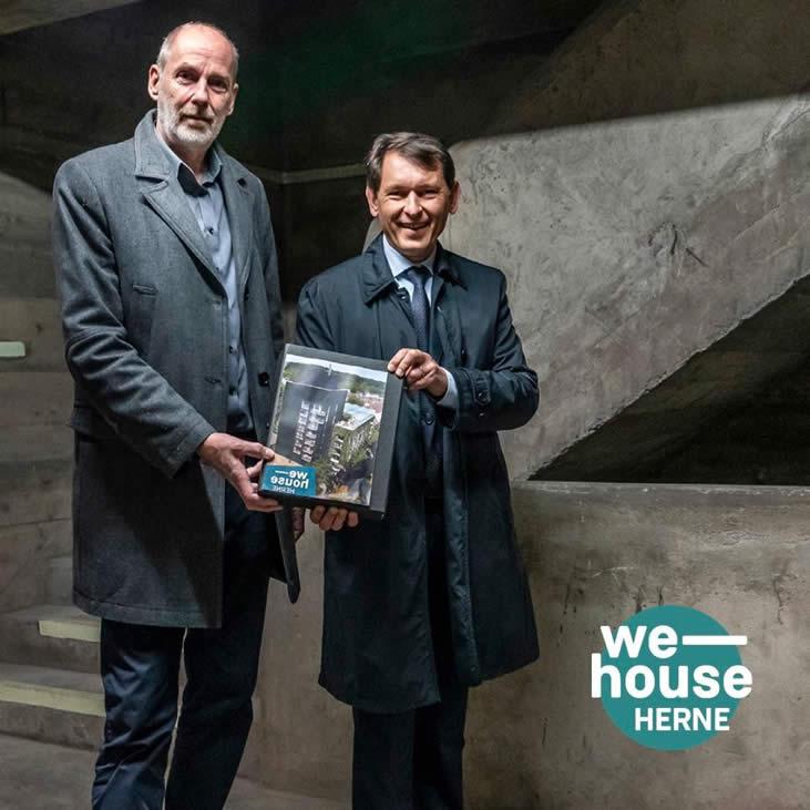 Gerd Hansen mit Oberbürgermeister Dr. Dudda